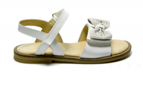 White patent strap sandals with bow
